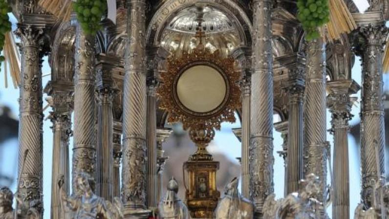(AUDIO) Llamamiento del Arzobispo a descubrir la esencia de la procesión del Corpus Christi
