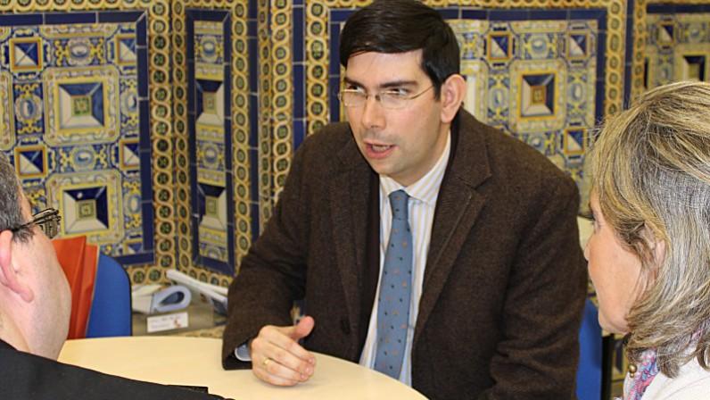 ENTREVISTA: ISIDRO CATELA, Director de la Oficina de Información de la CEE