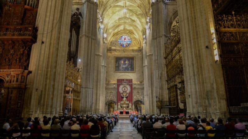 Hoy sábado se celebra en la Catedral la vigilia diocesana de Pentecostés dedicada a los cristianos perseguidos