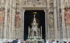 """Corpus en Sevilla, """"uno de los jueves que relucen…"""""""