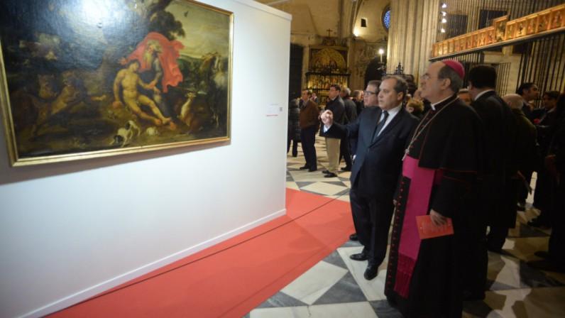 El Arzobispo inaugura la exposición sobre la misericordia en la Catedral