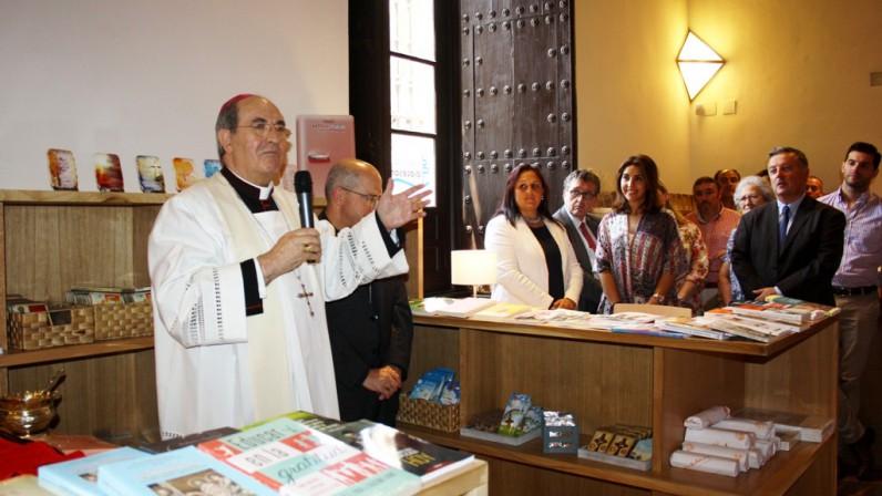 """Librería Diocesana, """"un espacio para la cultura y la buena y sana teología"""""""