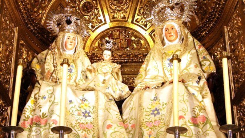 Con los Gozos de Santa Ana dió comienzo la jornada festiva en la 'Catedral de Triana'