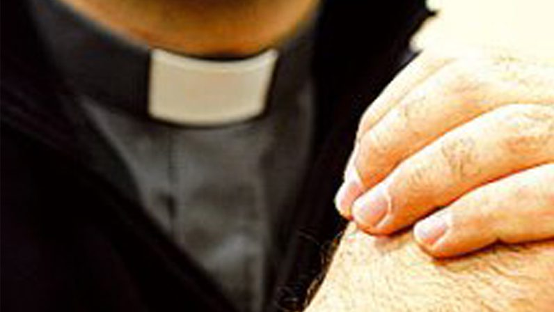 """La Liturgia de las Horas, """"deber esencial del ministerio sacerdotal"""""""