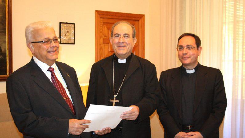 El Arzobispo nombra canónigo honorífico de la Catedral a José Márquez