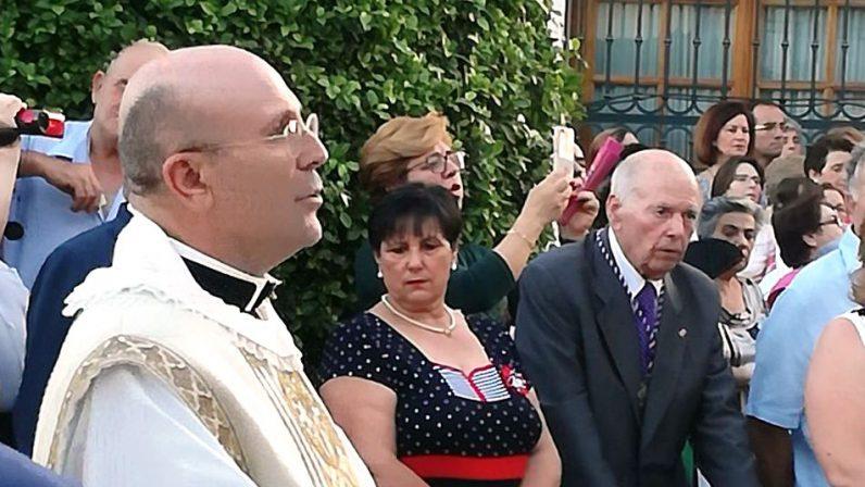 Bollullos de la Mitación arropa a Antonio Godoy en sus bodas de plata sacerdotales
