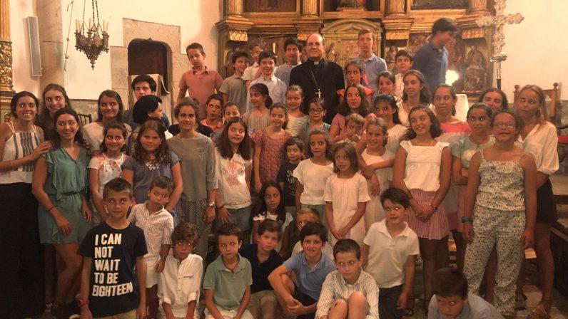 El Arzobispo celebra una Misa en Soria con 400 sevillanos