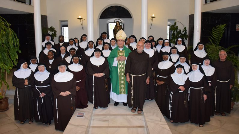 El Arzobispo clausura la Asamblea Ordinaria de las Hermanas Clarisas