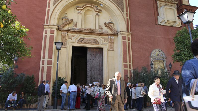 La Iglesia refuerza el sentimiento de pertenencia a una comunidad de fe, cercana y familiar