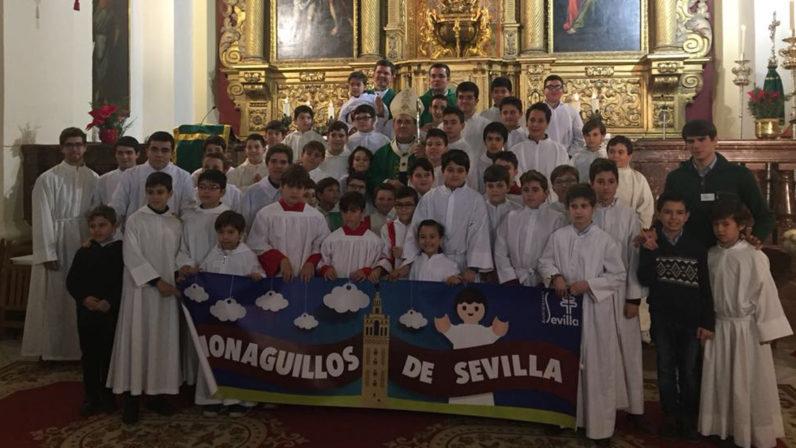 El Arzobispo visita la Escuela de Monaguillos