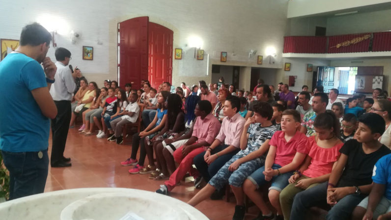 Parroquias de Ntra. Sra. de la Candelaria y Blanca Paloma: Cuando la fe cambia un barrio