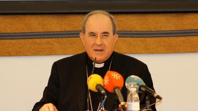 Monseñor Asenjo, premio Memorial Luis Baquero 2020 del programa 'El Llamador'