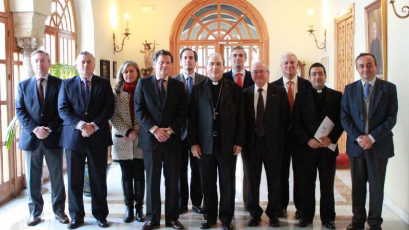 Convenio de colaboración económica entre la Fundación diocesana de COF y la Hermandad de la Paz de Sevilla