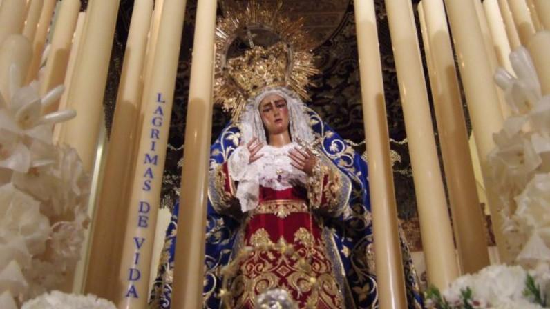 Cirios por las donaciones de órganos en los palios de Sevilla