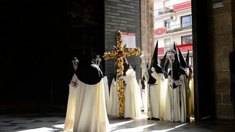 Las estaciones de penitencia se dedicarán a los cristianos que sufren por su fe