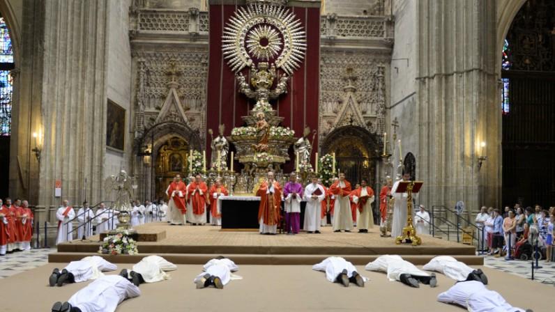 Tarde de gozo en la Catedral: ordenación de seis sacerdotes y dos diáconos
