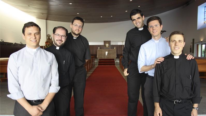 Seis nuevos sacerdotes para la Iglesia en Sevilla