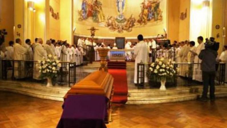 Decreto del Arzobispo con la nueva normativa sobre celebración de exequias eclesiásticas