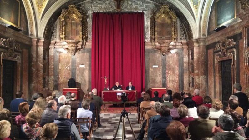 Conferencia de Antonio Larios en el Aula Sacra de la Parroquia de la Magdalena