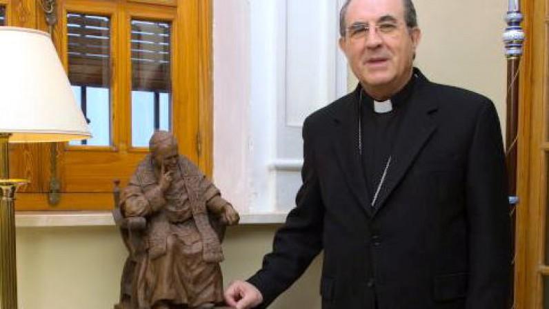 """Mons. Juan José Asenjo: """"Confío en la Providencia de Dios"""""""