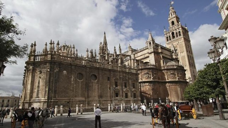 La unesco reconoce la gesti n de la catedral de sevilla for Exterior catedral de sevilla