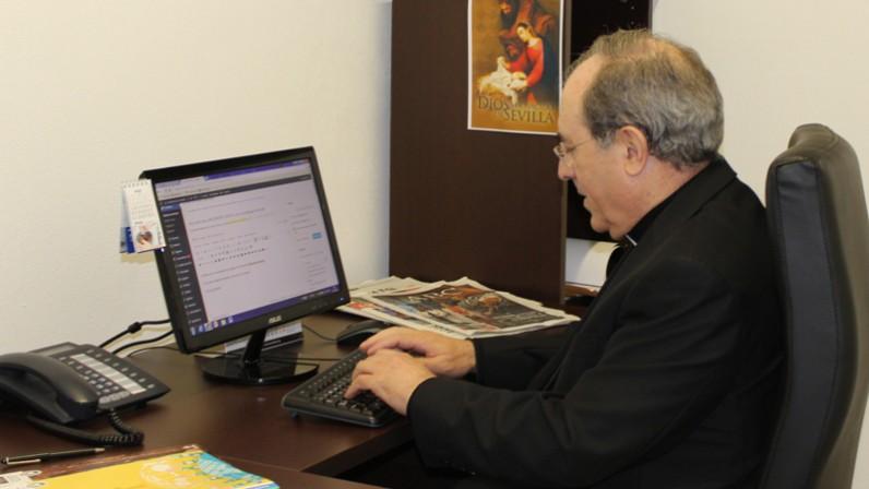 Fe, hermandades, patrimonio… y fútbol. Consulte el ENCUENTRO DIGITAL con el Arzobispo