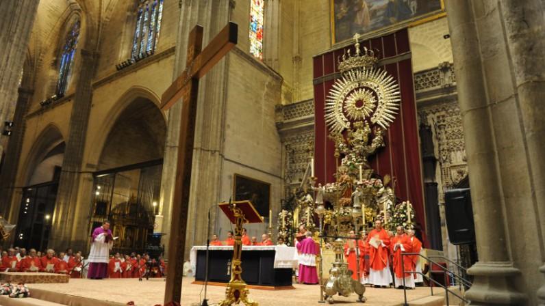 La Catedral acoge la vigilia de Pentecostés