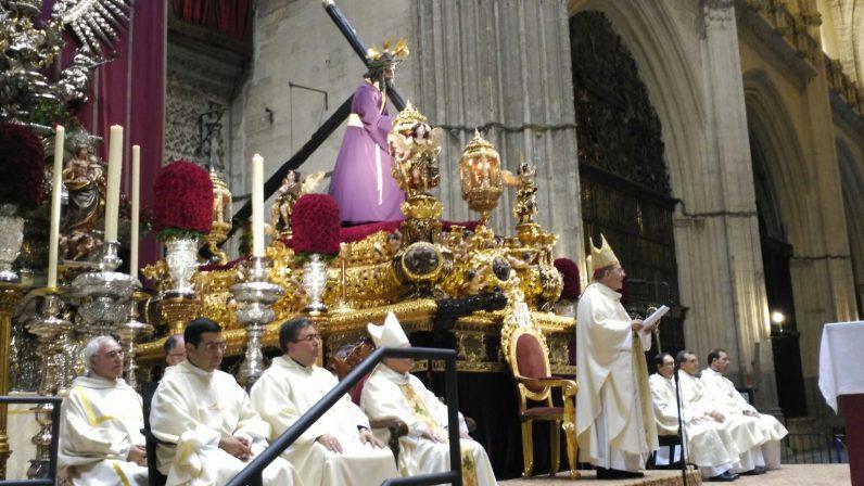 """Mons. Asenjo: """"El Jubileo nos invita a salir de la tibieza, la mediocridad y el aburguesamiento espiritual"""""""