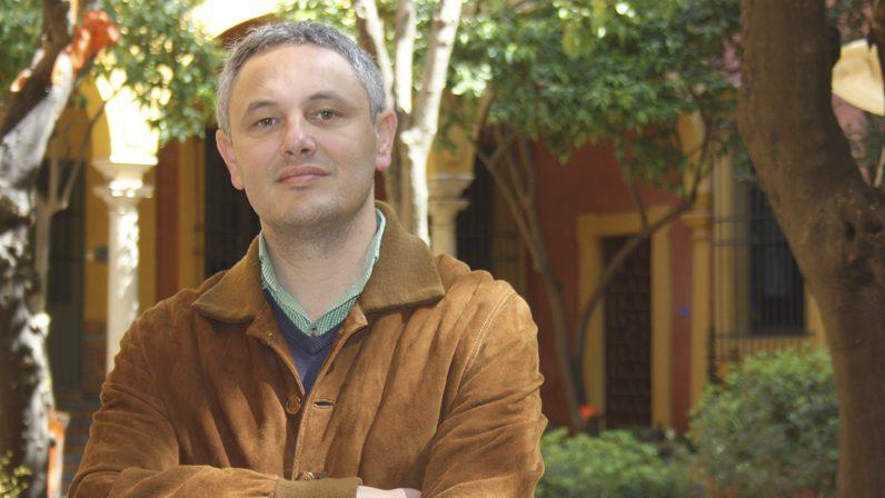 Alberto García Reyes reflexiona sobre religiosidad popular y medios de comunicación en la Magdalena