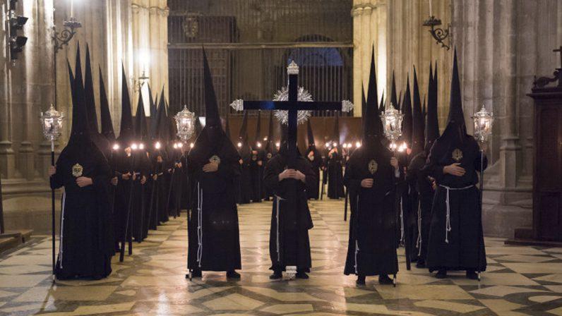 La intención de las estaciones de penitencia de este año será la conversión pastoral y misionera de la Archidiócesis y el compromiso evangelizador de las hermandades