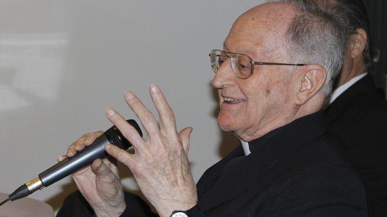 La Archidiócesis de Sevilla y la comunidad jesuita despiden a Fernando García Gutiérrez