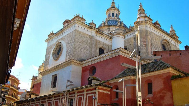 Se retoman los trabajos de mantenimiento en la Iglesia Colegial del Divino Salvador de Sevilla