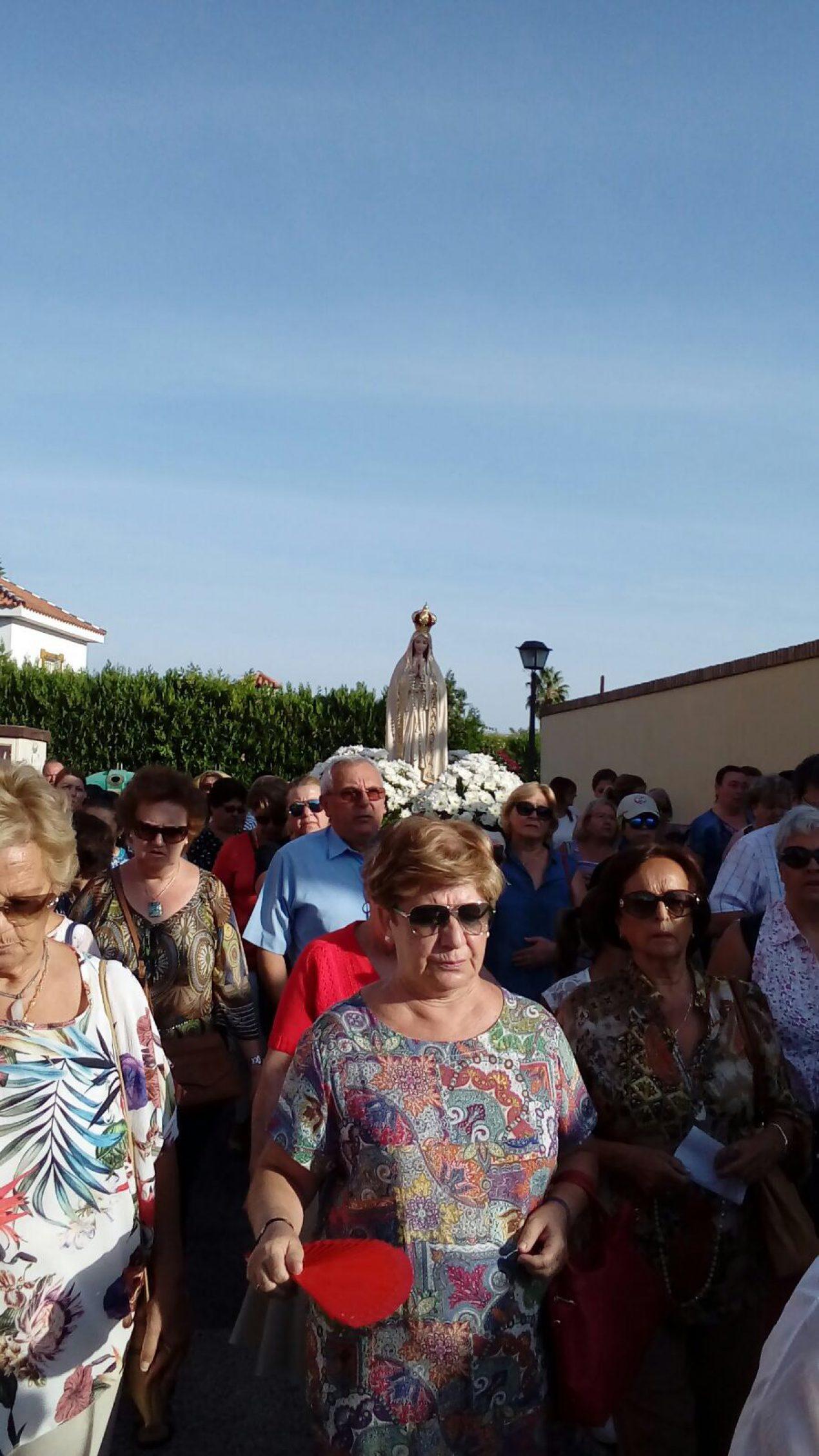 Peregrinación del arciprestazgo de Castilleja de la Cuesta con la imagen de la Virgen de Fátima
