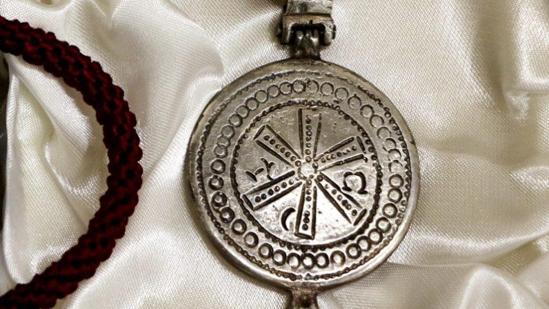 El Arzobispo otorga la medalla Pro Ecclesia Hispalense a dos parroquianos de Castilleja del Campo por su entrega generosa y abnegada