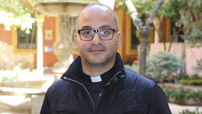 """Entrevista al Padre Salar Kajo, sacerdote caldeo de Irak: """"Perdonar es ayudar a los miembros del Daesh a convertirse al Señor"""""""