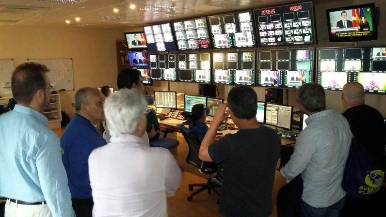Los alumnos de la Escuela Diocesana de Medios de Comunicación visitan Canal Sur Televisión