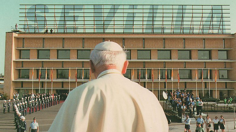 La segunda visita de Juan Pablo II a Sevilla en 'Testigos Hoy'