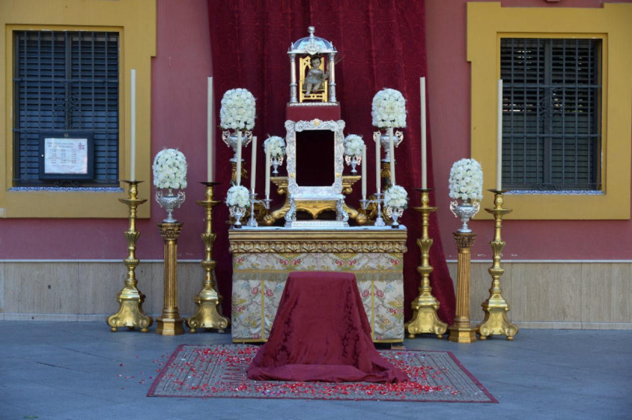 Procesión eucarística de la Parroquia de San Lorenzo