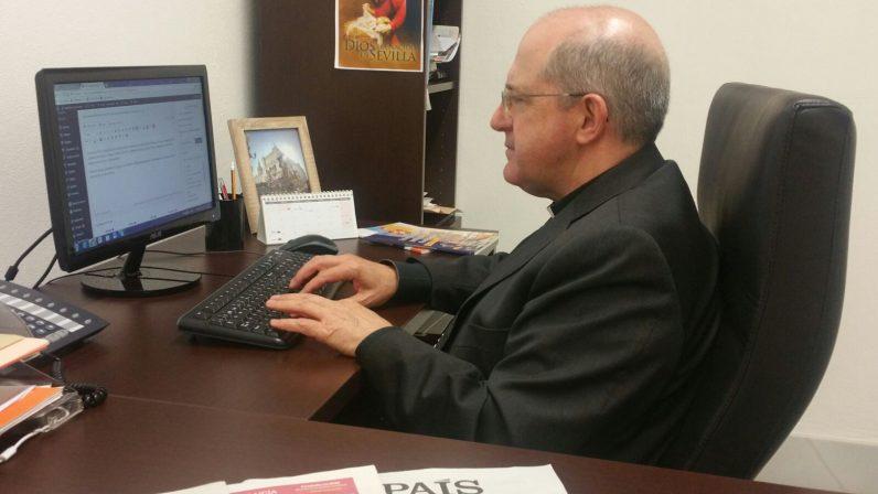Encuentro digital con Monseñor Gómez Sierra