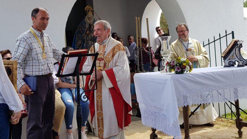 Reconocimiento en Castilblanco de los Arroyos al sacerdote Antonio Gálvez