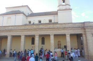 Procesión eucarística en el Monumento al Sagrado Corazón