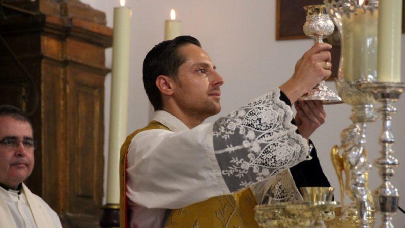 Nueva fórmula de la consagración del cáliz en la misa hispano-mozárabe