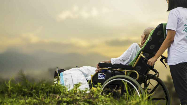 La CEE convoca hoy una jornada de oración y ayuno bajo el lema 'La vida es un don, la eutanasia un fracaso'
