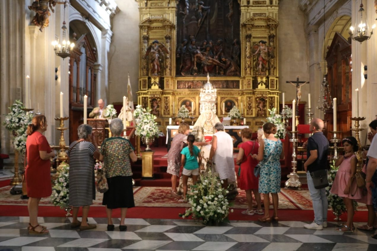 Segundo besamanos de la Virgen de los Reyes 2018