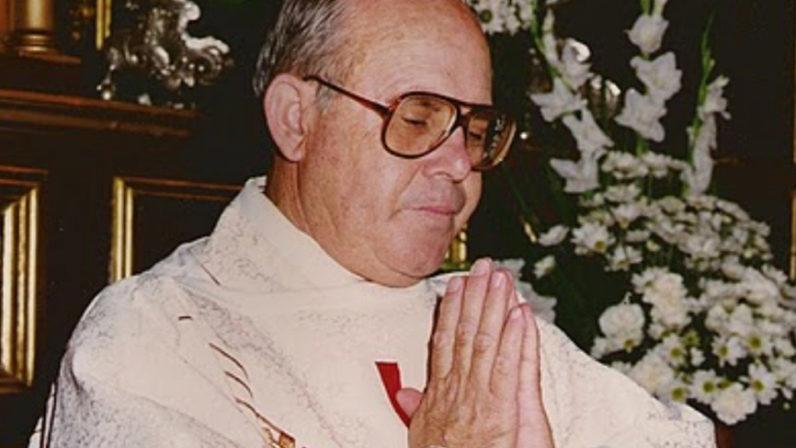 Homenaje al párroco de Cañada Rosal, Fernando Flores