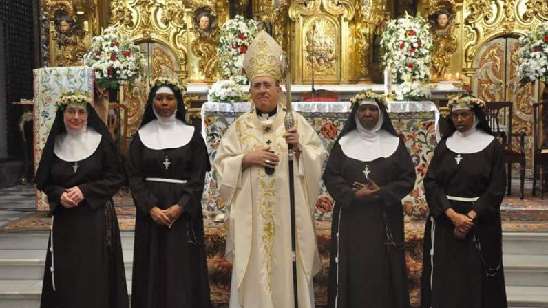 Cuatro clarisas capuchinas hacen su profesión solemne en Santa Rosalía