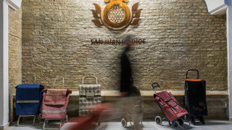 San Juan de Dios abre sus puertas a los vecinos para visibilizar la cercanía de la pobreza