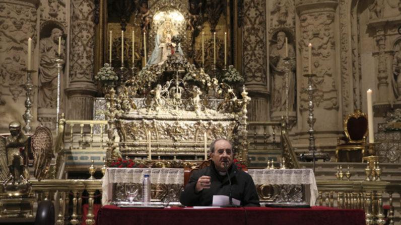 """El Arzobispo de Sevilla clausura la IV Semana de la Familia: """"Hay que evangelizar con los santos"""""""