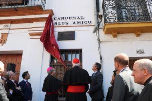 Rotulación de la calle dedicada al Cardenal Amigo