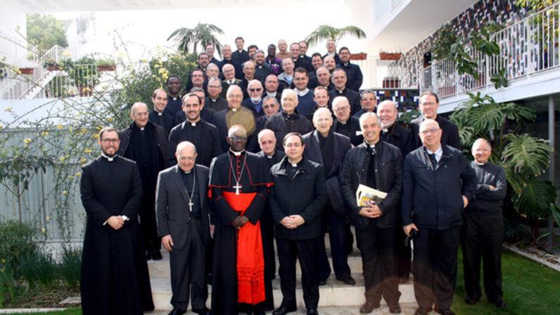 Encuentro del Cardenal Robert Sarah con el clero sevillano